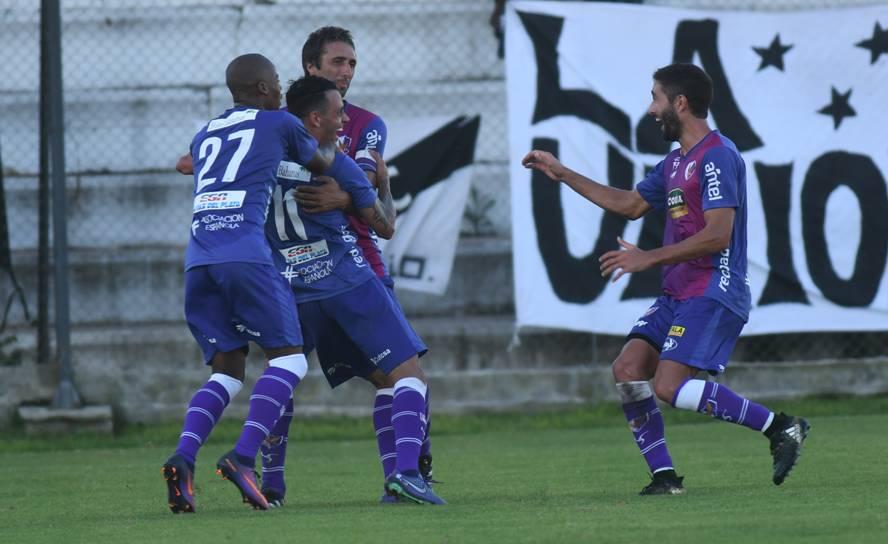 Liverpool vs Fénix en Vivo Fútbol Uruguay 2017