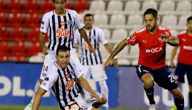 a que hora juega Independiente vs Libertad en Vivo previo Libertad (Par) Huracán (Arg)