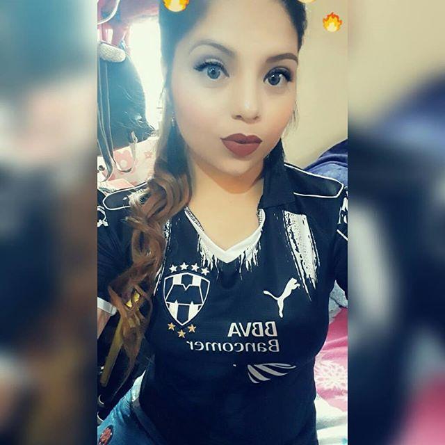 en que canal juega Tigres vs Rayados en Vivo previo Monterrey Lobos BUAP
